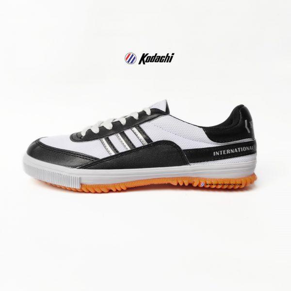 SEPATU-KODACHI-8115-hitam--YK-RAYA-SEPATU-BADMINTON-RUNNING-VOLLEY-1