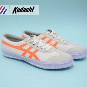 sepatu badmnton kodachi 8178 putih orange ykraya sepatu capung badminton running volley
